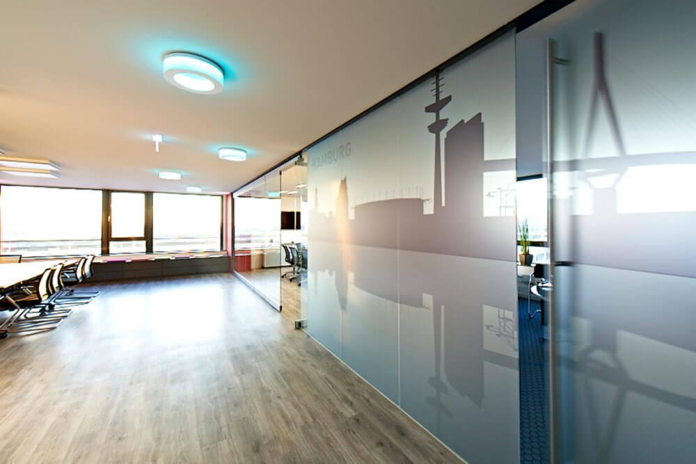 Glaserei Harburg wohnraumverglasung glastüren duschkabinen trennwände glaserei